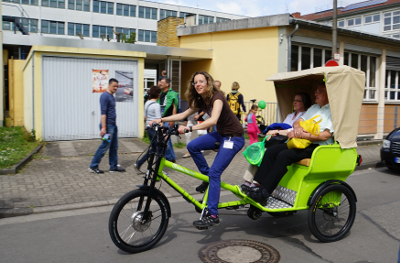 SPEZI 2015 - Monica on Radkutsche rickshaw